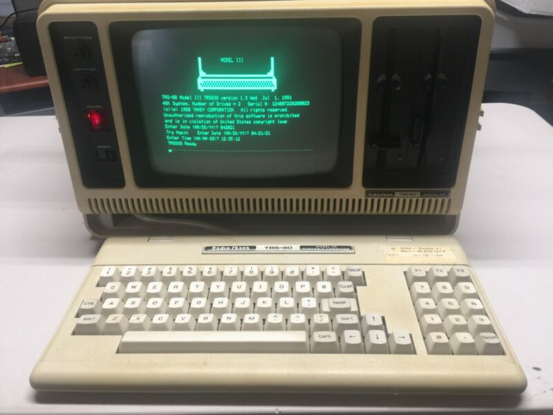 Tandy TRS-80 Model 4P Portable Computer