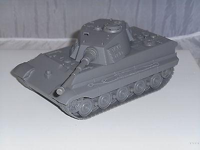 BMC Toys BMC49999 1/32 Play Ready German King Tiger Tank in Grey Tank Only