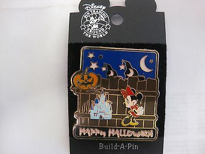 Rare Disney Pin 3D Happy Halloween With Mickey Mouse & The Castle 2003   pin1154 - Walt Disney World Halloween Castle