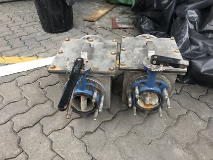 Large boat sea chest and ball valves