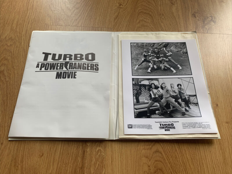 TURBO A POWER RANGERS MOVIE PRESS KIT - 4 PHOTOS 1997