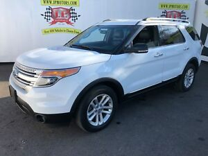 2015 Ford Explorer XLT, Navigation, Leather, 3rd Row Seating,