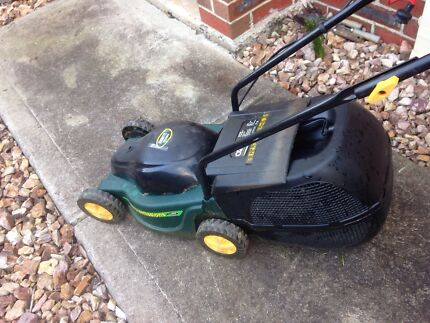 electric lawn mover/whipper sniper Keilor Downs Brimbank Area Preview