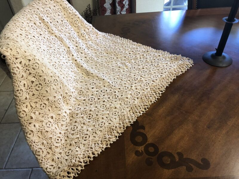 Antique Handmade Crochet Table Cloth Beautiful Off White Large 90 X 52 Pristine
