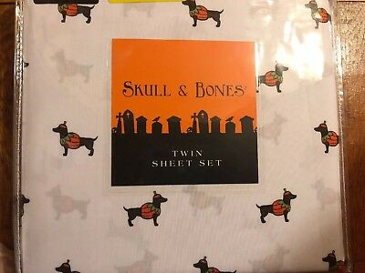 TWIN SHEET SET SKULL & BONES HALLOWEEN DOGS IN PUMPKINS COSTUMES DACHSHUND NWT - White Sheet Halloween Costumes