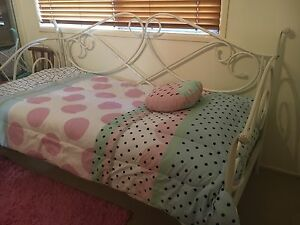 Wrought iron single bed Moorooka Brisbane South West Preview