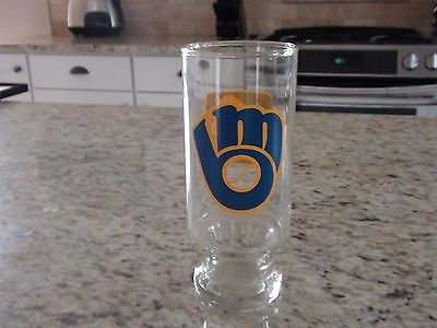 Milwaukee Brewers #4 Beer Glass holds approx 14 oz.