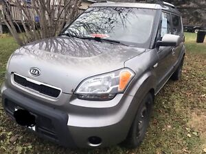 2010 Kia Soul 4u with winter and summer tires