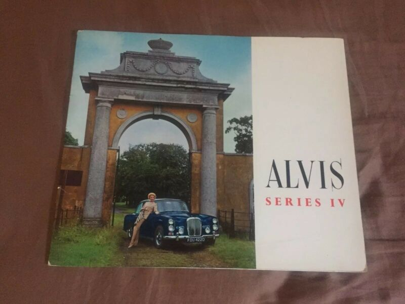 1966 1967 Alvis Series IV Original Color  Brochure  Prospekt