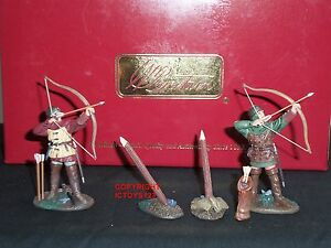 BRITAINS 17728 KNIGHTS OF AGINCOURT ENGLISH ARCHER METAL TOY SOLDIER FIGURE SET1