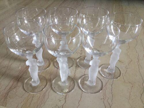 Magnifique service À verres anciens vin blanc pieds corps de femme en verre poli