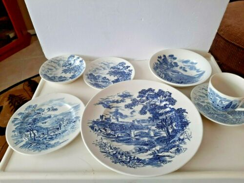 Vintage Wedgwood Countryside China 7-Piece Place Setting