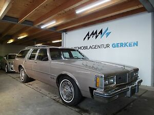 Oldsmobile Custom Cruiser 5.0L V8