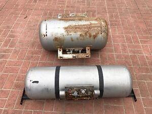 2x lpg gas tanks Narre Warren South Casey Area Preview