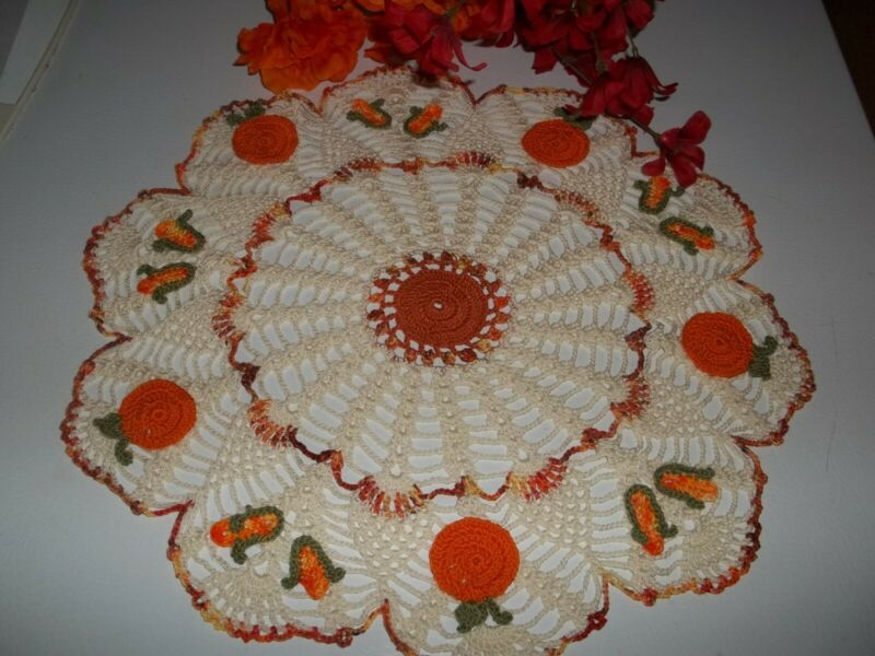 "New Hand Crochet Halloween Fall Pumpkin in Corn Field doily 15"""