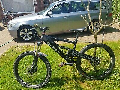 Full suspension mountain bike medium