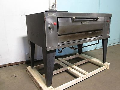 Vulcan - Hustler Heavy Duty Commercial Natural Gas Stone Deck Pizza Oven