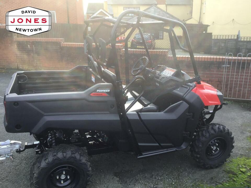 EX-DEMO HONDA PIONEER SXS700 2x SEATER UTV ATV SIDE X SIDE FARM SHOOTING UTILITY