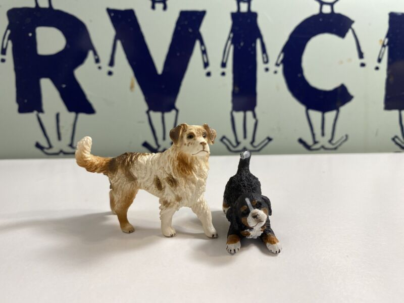 Schleich D-73527 lot of 2 puppy dog Figures Good Condition