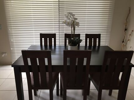 Freedom Dining Table With Chairs In Fantastic Condition