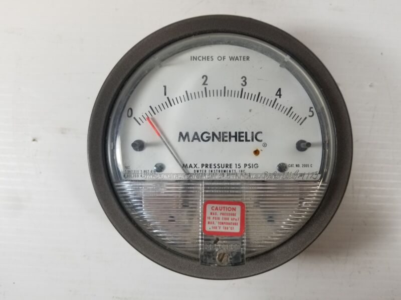 "Magnehelic 2005 C 0-5 ""H2O Differential Pressure Gauge"