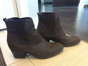 Forever 21 Ankle High Heel Boots Size 9