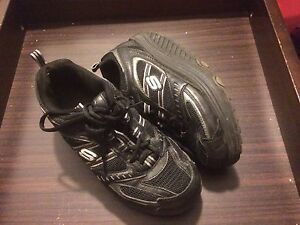 Sketchers shape ups size 7.5