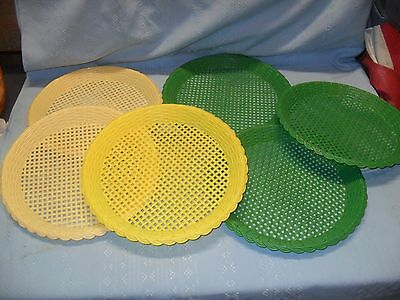 6 Retro Plastic Picnic PAPER PLATE HOLDERS Wicker Look Green & Yellow