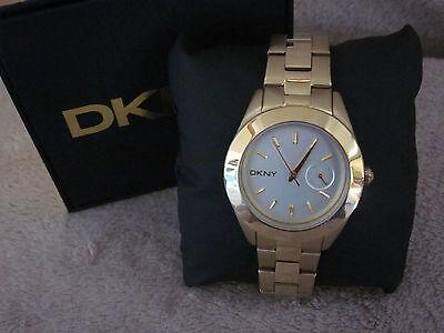 Dkny Womens Stainless Steel Bracelet Watch - DKNY NY2132 Womens Jitney White Dial Goldtone Stainless Steel Bracelet Watch NIB