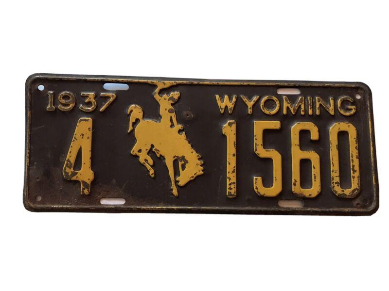 WYOMING 1937  license plate all original 1937 black/yellow