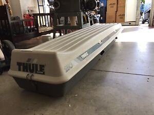 Thule 7ft ski box