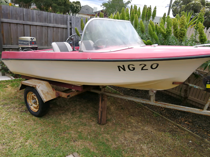 Boat 12 ft 25 hp outboard