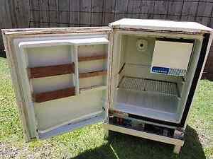 gas camping fridges miscellaneous goods gumtree. Black Bedroom Furniture Sets. Home Design Ideas