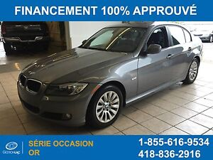 BMW 323i Premium Package Toit Ouvrant 2009