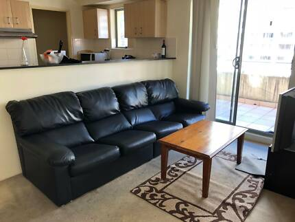 Pyrmont -  Shared room for young and friendly  male / female