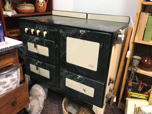 Vintage Green & Cream Oxford Universal Oven