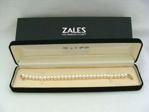 """Zales 7.5"""" Button Pearl Bracelet With 14k Gold Clasp Includes Case And Box"""