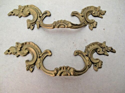 ANTIQUE PAIR OF FRENCH ROCOCCO ORMOLU FURNITURE HANDLES
