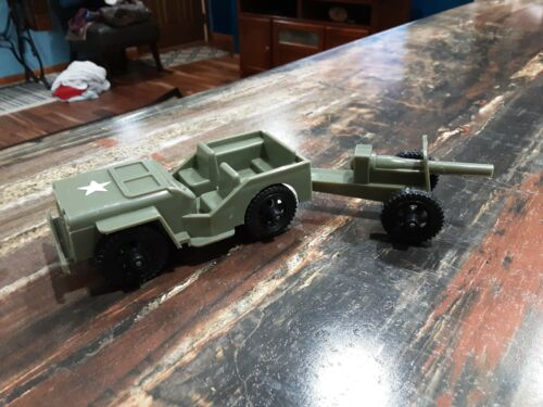 VINTAGE TIM - MEE TOYS US ARMY JEEP & HOWITZER CANNON