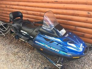 Grand Touring 500 Skidoo with sleigh