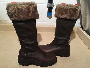 Women's Tall Brown Insulated Boots Size 8.5 London Ontario image 1
