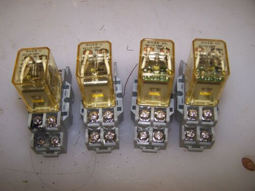 4) IDEC RH2B-U 120VAC 8 PIN RELAY WITH SH2B-05 BASE LOT OF 4