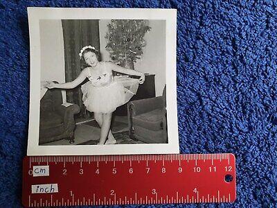 Foto junge Frau hübsches Mädchen Ballett Kleid Kostüm 1955 schöner - Hübsche Frau Kostüm