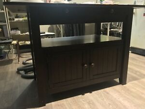 Urban Barn Cantina Counter Height Table