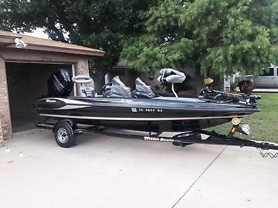 2013 Triton 17PRO Bass Boat with 115 Mercury 4 Stroke & Trailer