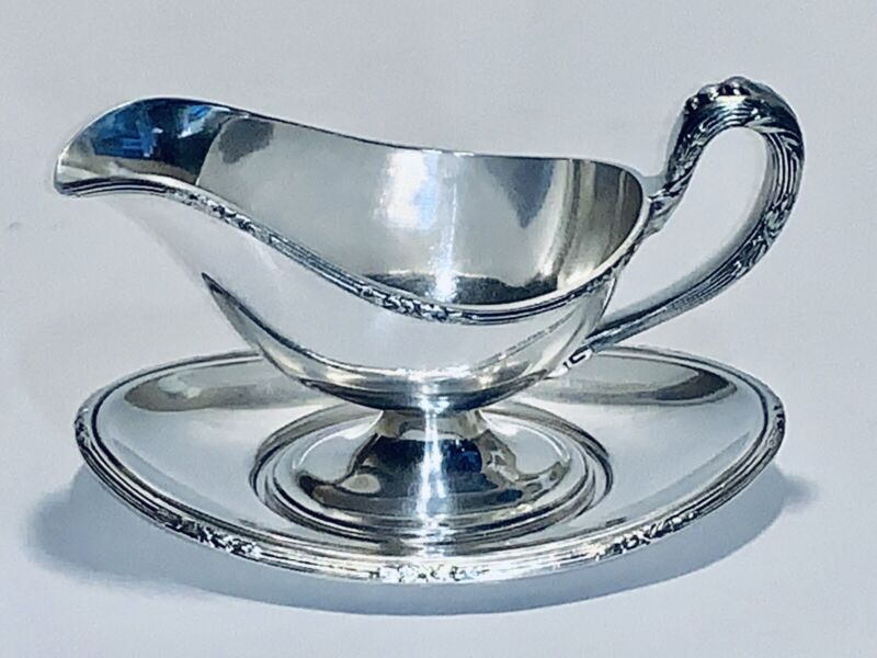Fabulous Antique Reed And Barton Silver Plated Gravy Boat With Tray