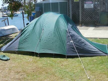 dmh tasman 3 to 4 man tent Buddina Maroochydore Area Preview