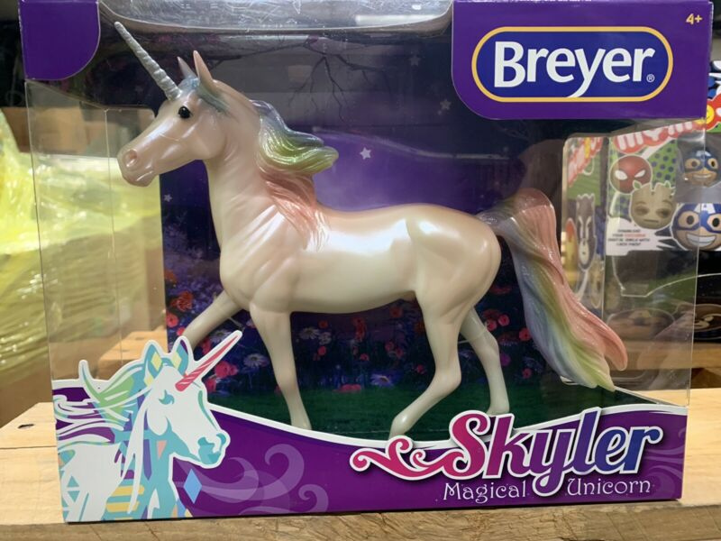 Breyer Classic #97258 Skyler Magical Unicorn Rainbow Glitter Morgan Stallion
