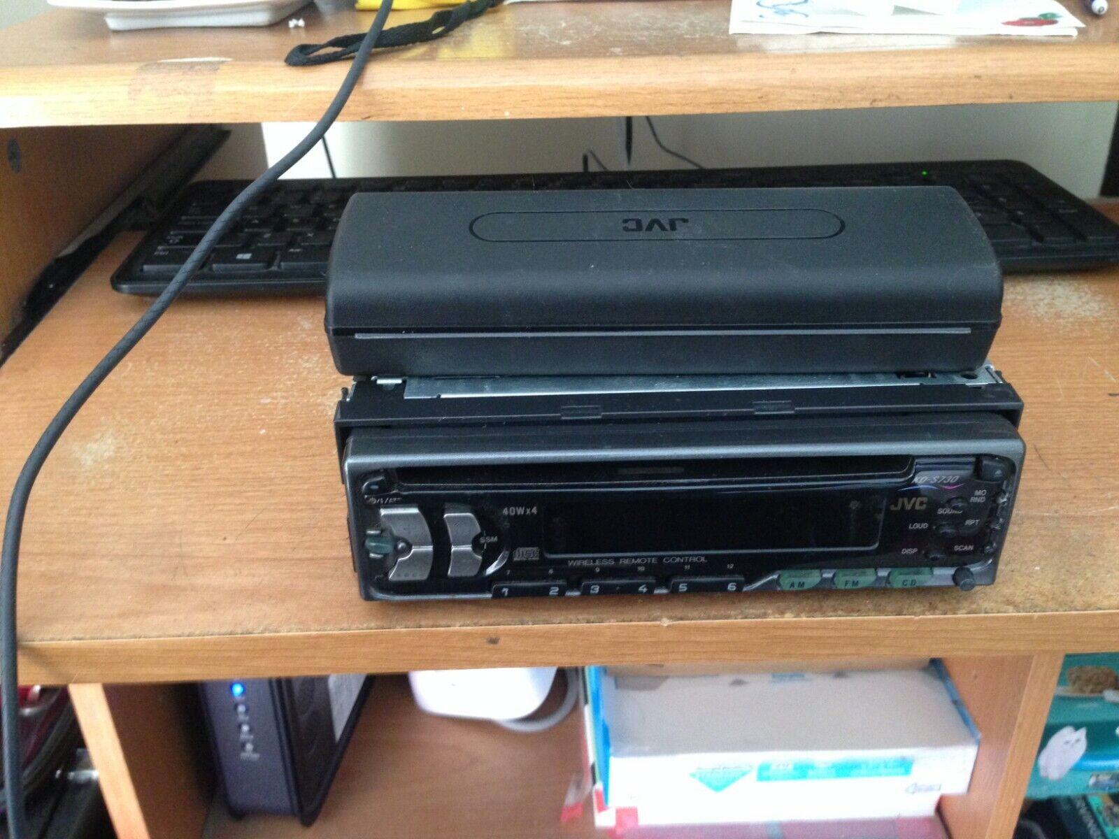 JVC KD-S 730 CAR RADIO ,CD PLAYER WITH REMOVABLE FACEPLATE