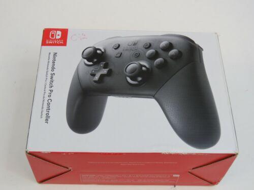 Nintendo Switch Pro Controller - Black (HACAFSSKA)